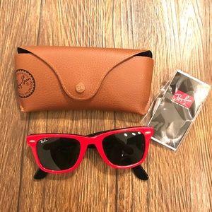 Ray Ban Wayfarer Sunglasses (Red)